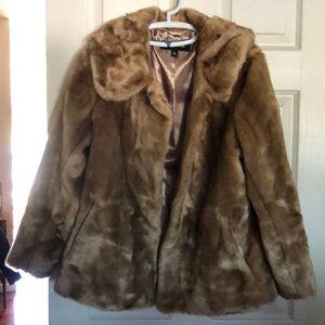 Jones New York Faux Fur Coat large and NWOT